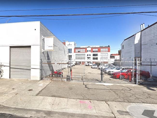 351 12th st parking lot google