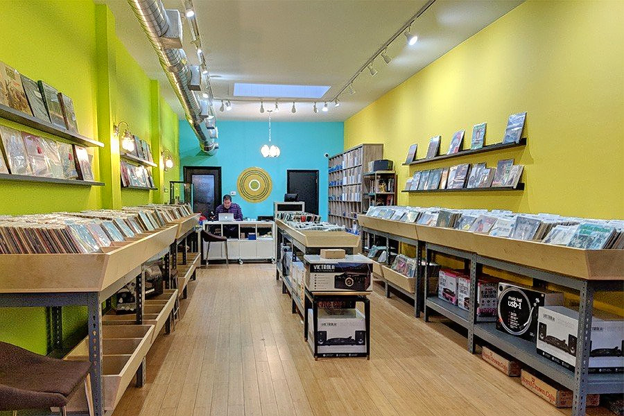 Find Vinyl Records And More At Andersonville S New