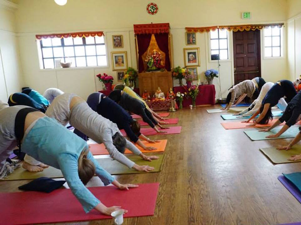 Sivananda Yoga Vedanta Center Relaxes Into New Vicente Street Space Hoodline