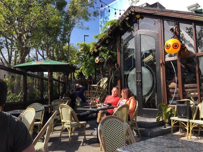 Cafefloreoutside
