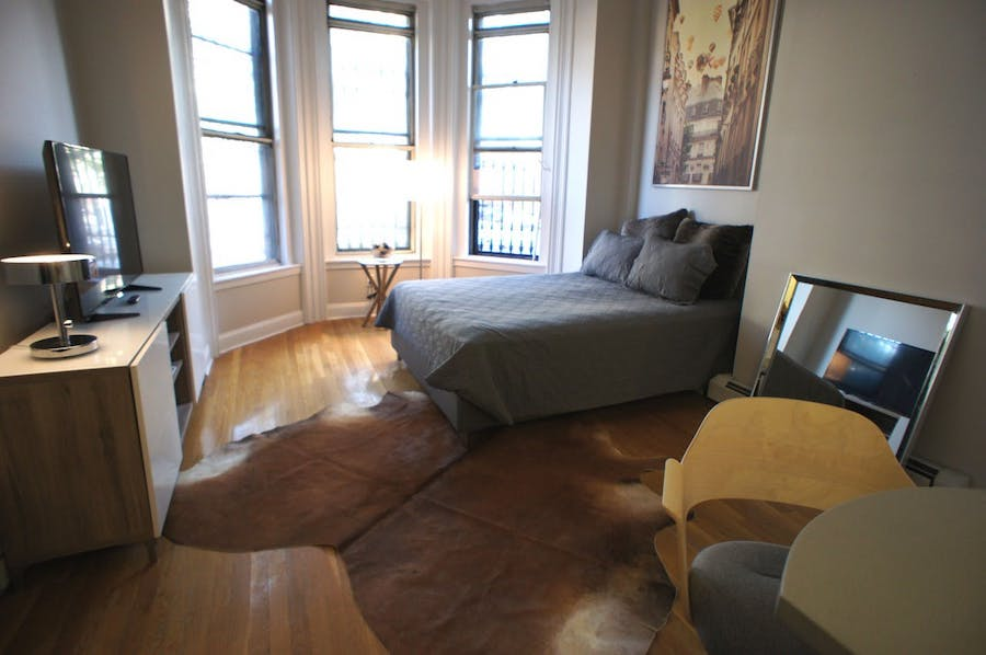 Groovy The Most Affordable Apartment Rentals For Rent In South End Beutiful Home Inspiration Ommitmahrainfo