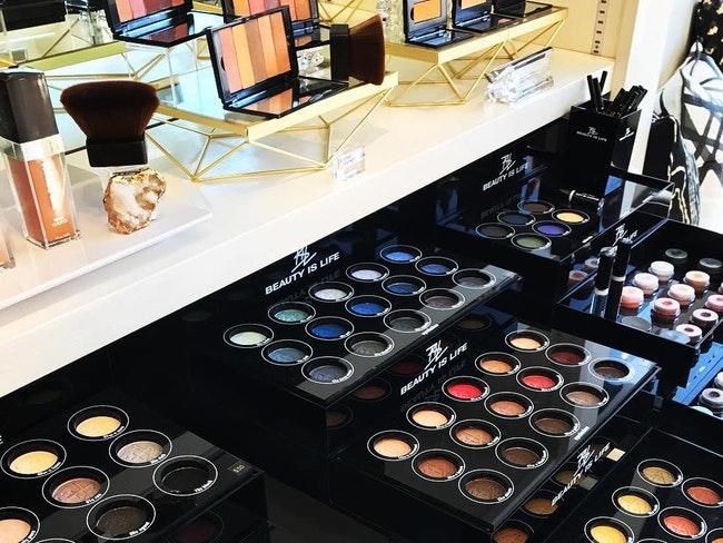 Eyeshadow palettes at face west