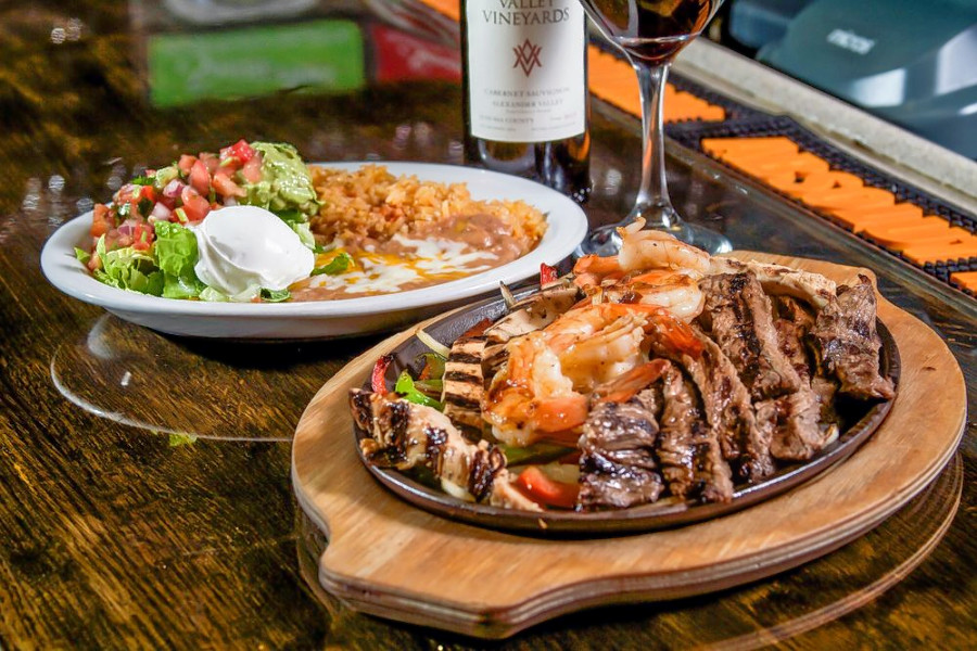 El Paso Mexican Grill brings Mexican fare to Willowbrook