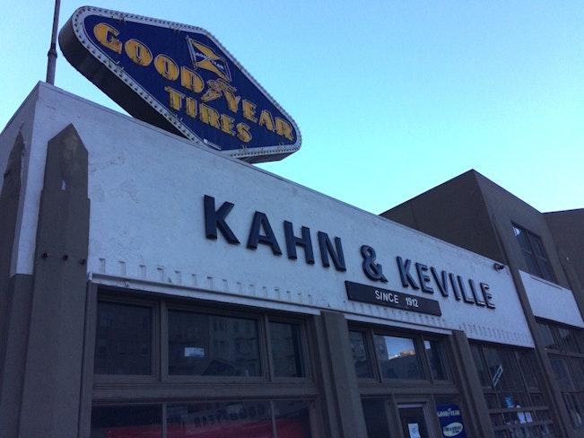 Kahn   keville front close