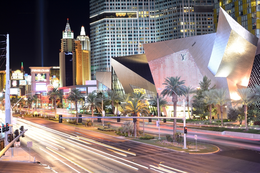 Top Las Vegas news: Man dies after I-15 crash