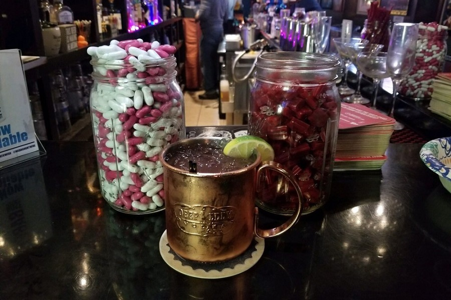The 3 Best Cocktail Bars In Baltimore