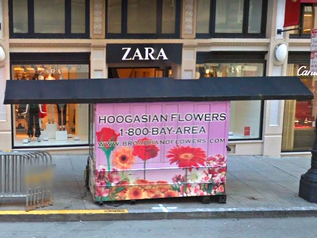 Flower stand at 250 post