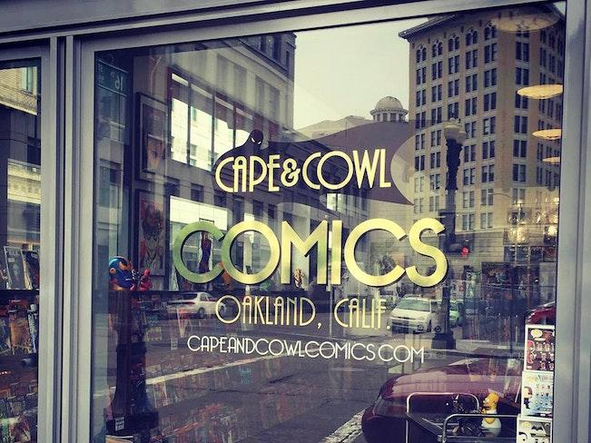 Cape cowl comics sign