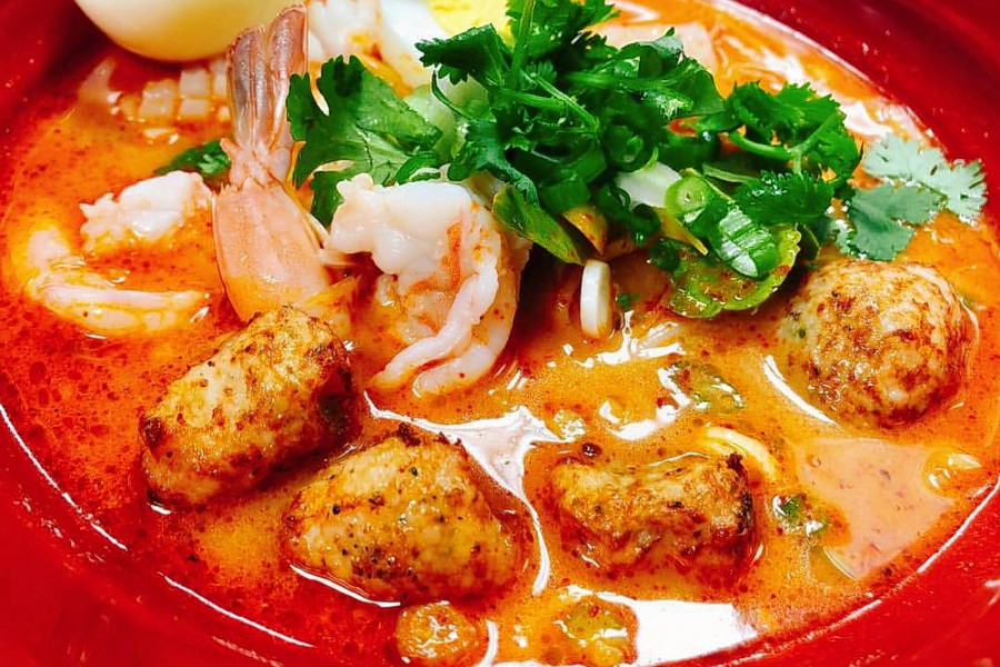 Hell S Kitchen Staple Wondee Siam Opens Up Thai Noodle House